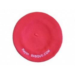 Le béret rouge brodé et personnalisé